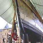Спущен на воду самый большой в мире бумажный корабль