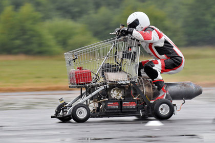 Британец разогнал тележку из супермаркета до 113 километров в час