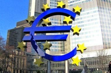 Власти ЕС могут обязать банки предоставлять данные по торговле внебиржевыми деривативами